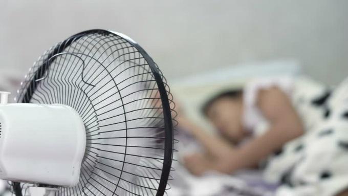 5 mẹo giúp điều hòa mát 'siêu tốc' trong ngày nắng nóng